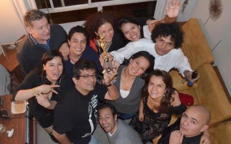 Celebración del premio India Catalina en Bogotá, en casa de Stella Carreño, sede extraoficial de la EAI